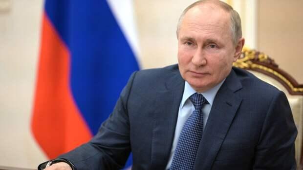 Путин по просьбе Роспотребнадзора объявил дни с 1 по 10 мая выходными в РФ