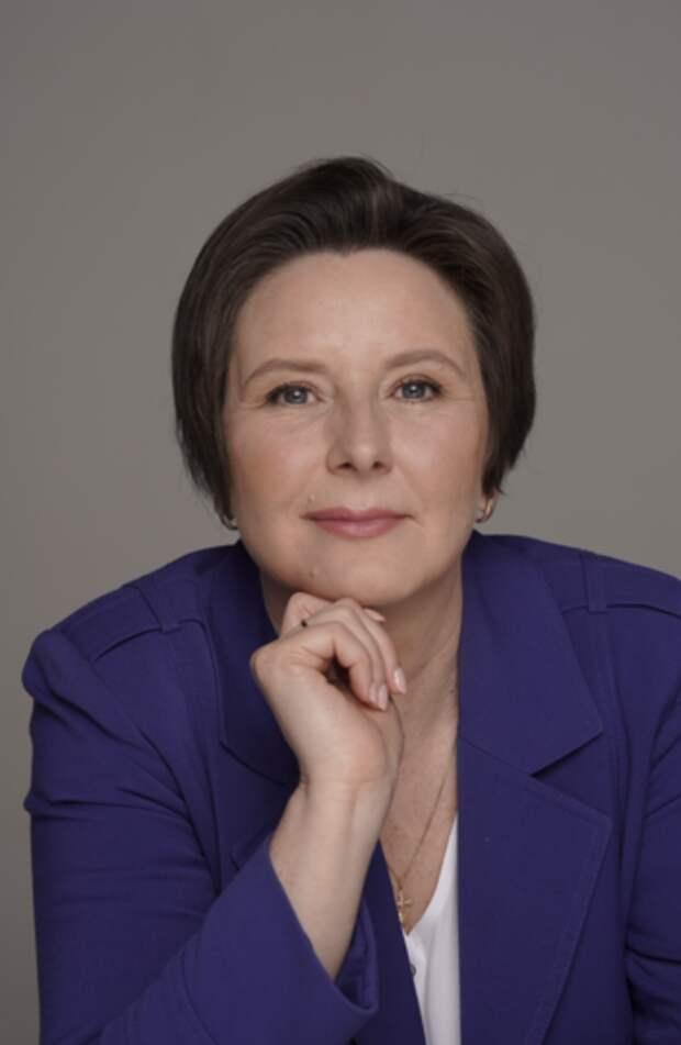 Член ОП РФ Разворотнева призвала реализовать программы по созданию дополнительных парковочных мест