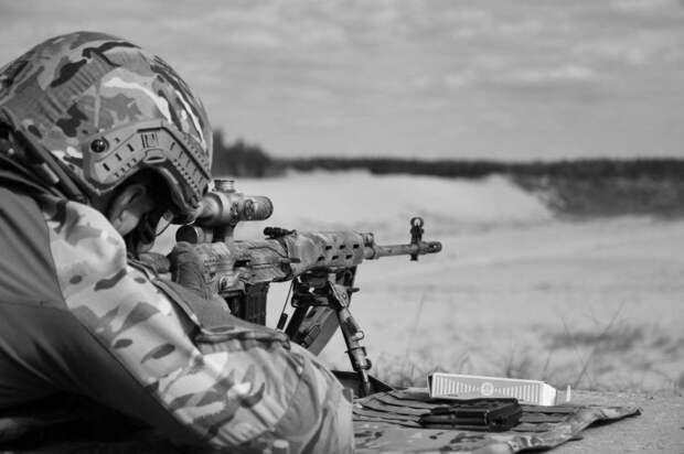 Украинские снайперы приехали к линии фронта под видом наблюдателей