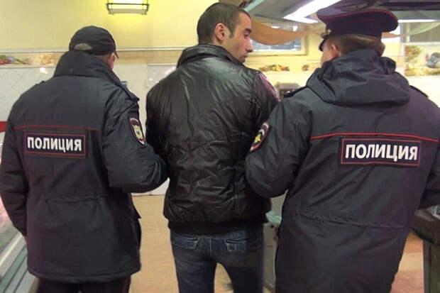 Мигранты устроили массовую драку в Петербурге