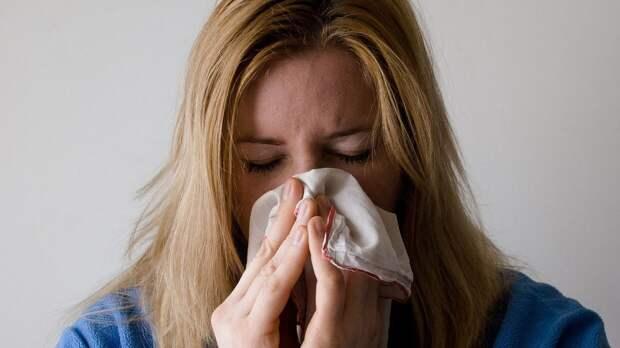 Названы наиболее опасные продукты для людей с аллергией на пыльцу