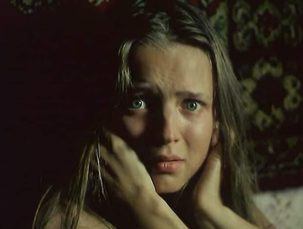 «Оставила фермера и вышла за продюсера» история трогательной девушки из мистического триллера «Упырь»