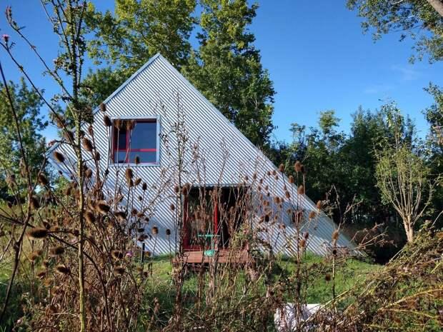 Небольшой двухуровневый домик в Аргентине
