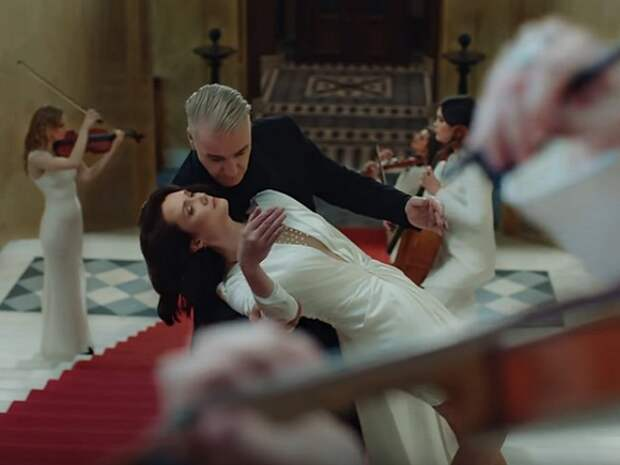 Лидер Rammstein Тилль Линдеманн выпустил клип на песню «Любимый город»