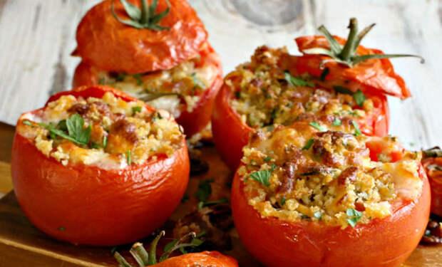 Фаршированные помидоры в духовке: получилось быстрее и сочнее, чем перцы