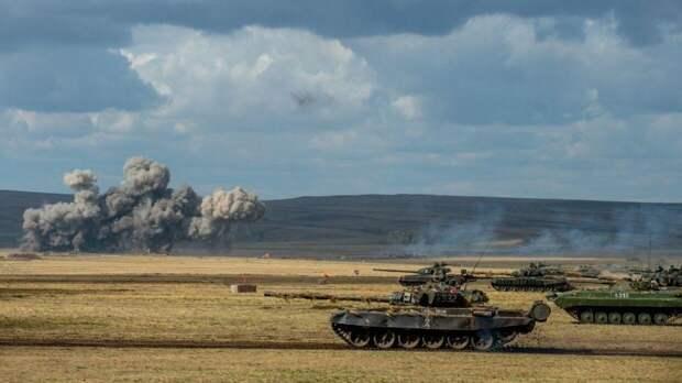 Свыше 10 тысяч военных и более тысячи единиц техники задействовано на учениях в Крыму