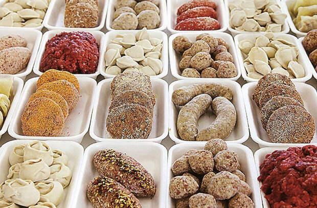 Дешевые продукты с повышенной вредностью: смотрим ингредиенты в сыре, колбасе и полуфабрикатах