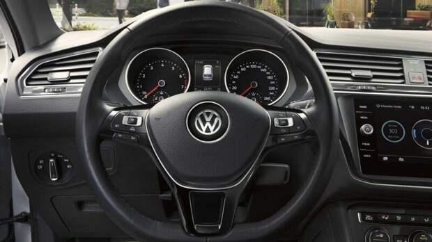 Volkswagen сделает платным доступ к автопилоту