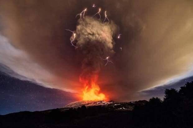 https---blogs-images.forbes.com-startswithabang-files-2018-02-Mt-Etna.jpg?width=960