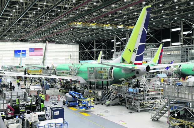 Жесткая посадка: Boeing перешел от процветания к кризису всего за год