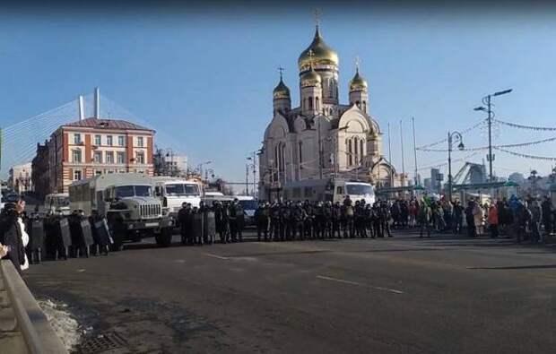 «Красавчики»: на камеру сняли, что сделали водители во время митинга во Владивостоке