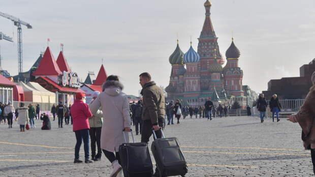 Вступили в силу ужесточённые правила Киева по въезду украинцев в Россию. В Сети уже знают, кто виноват