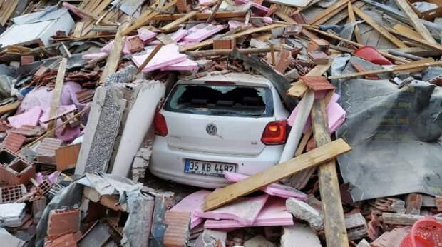 Число раненных при землетрясении в Турции выросло до 607 человек