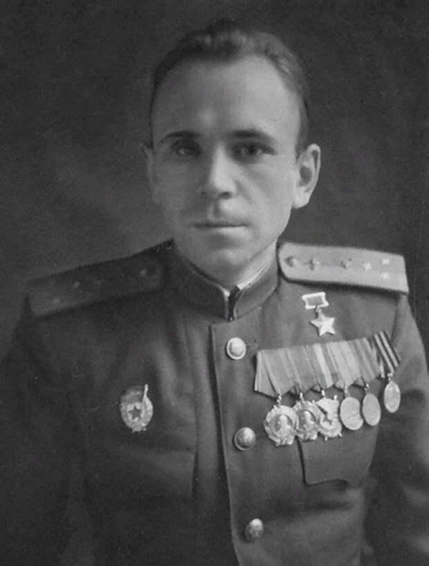 Борис Ковзан - советский лётчик-истребитель