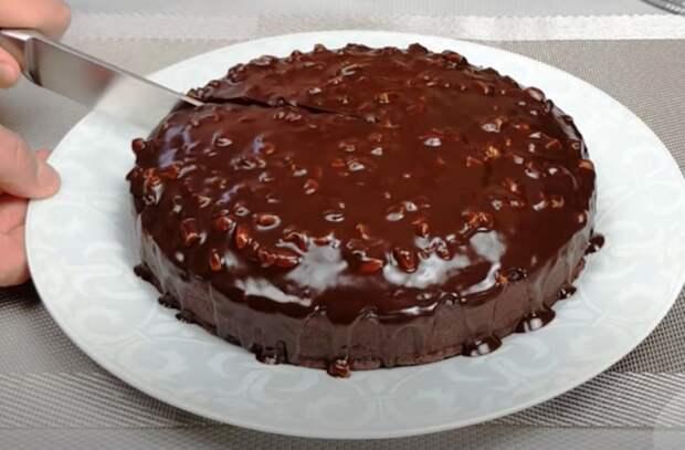 Шоколадный пирог без муки! Семья в восторге от этого лакомства