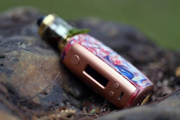 Нарколог Минздрава предупредил о смертельной опасности электронных сигарет
