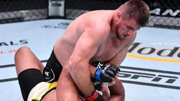 """Боец UFC закончил поединоксловами""""pain fromяйцо"""" и победил"""