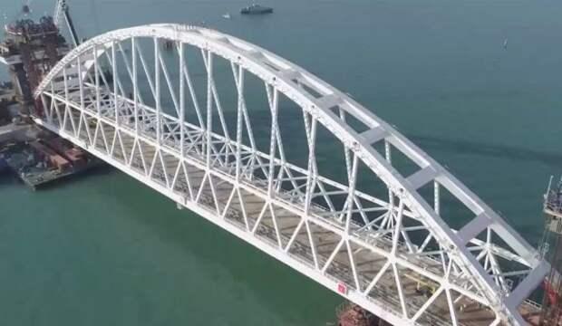 На Крымском мосту устанавливают комплексы для очистки стоков (ФОТО)