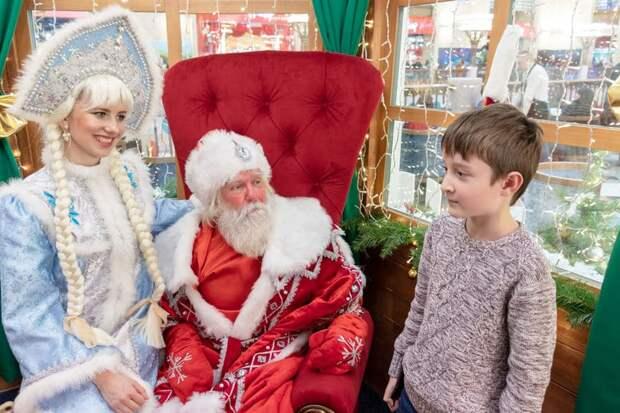 Соотечественники экономят на Дедах Морозах