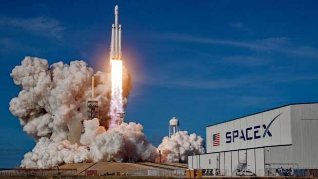 SpaceX запустит оплаченный Dogecoin спутник к Луне в 2022 году