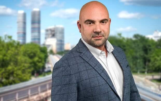 Тимофей Баженов заявил о необходимости государственной поддержки отслужившей молодежи