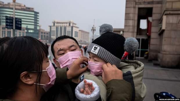 Мужики, защищаем китайцев - их бьют, гонят, сажают на поезда