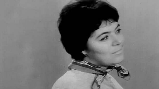 Вспоминая тёплый голос Майи Кристалинской