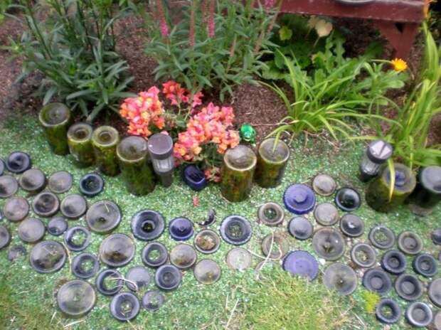 Стеклянная дорожка в саду