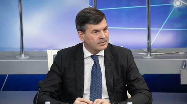 Послание президента определило основные направления развития России – Комиссаров