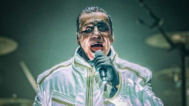 Тилль Линдеманн из немецкой группы «Rammstein» спел на русском. Послушайте!