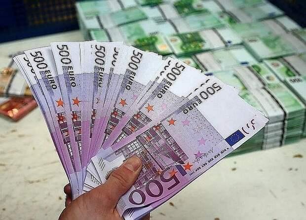 Суд в Италии заставил вдову поделиться деньгами с любовницей погибшего мужа