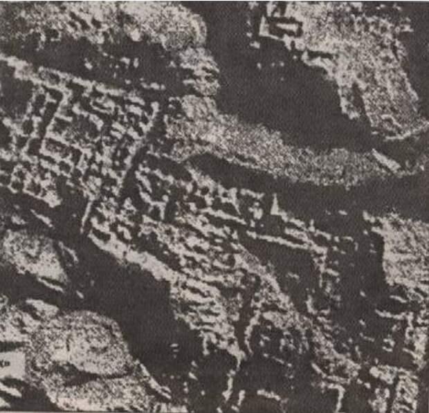 Древние города на поверхности Луны?