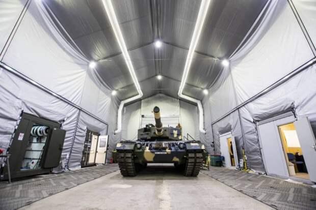 «Это не ангары для Т-72»: венгерская армия показала места хранения танков «Леопард»
