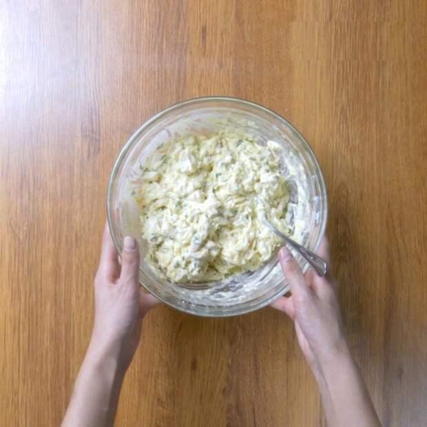 Вместо бутербродов: булочка с куриной грудкой и сыром