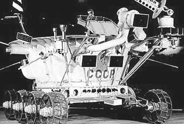 Какую базу на Луне хотел построить СССР