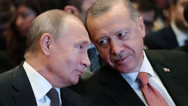 Локдаун и «Спутник V»: как Турция готовится к приезду туристов из России