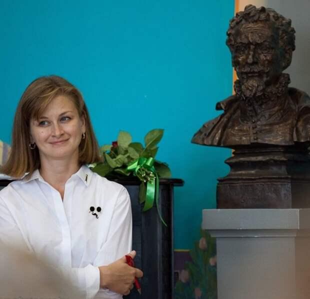 Учитель испанского школы № 1252 имени Сервантеса получила награду Минпросвещения России