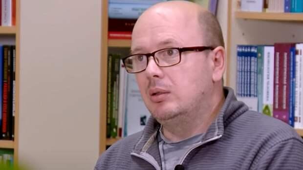 Писатель Слава Сэ попал в реанимацию с тяжелой формой коронавируса