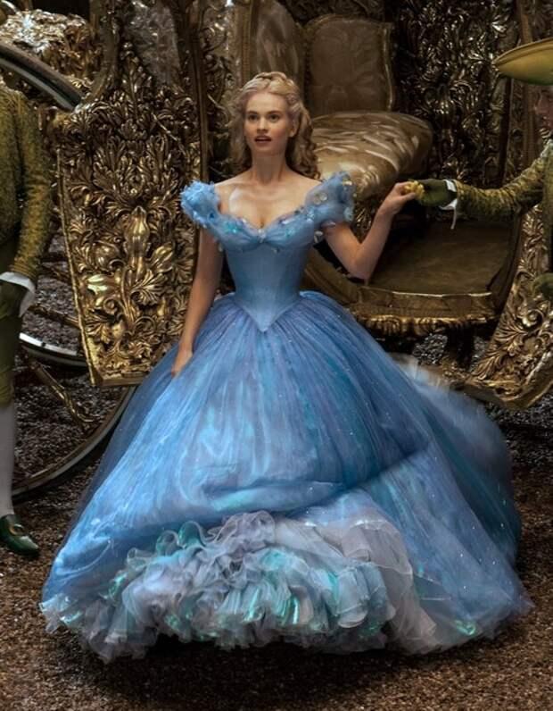 Не налюбуемся: 15 самых красивых нарядов принцесс в кинематографе