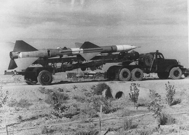 Наивные американцы решили раскрыть секрет непревзойденной мощи российской армии через советскую технику