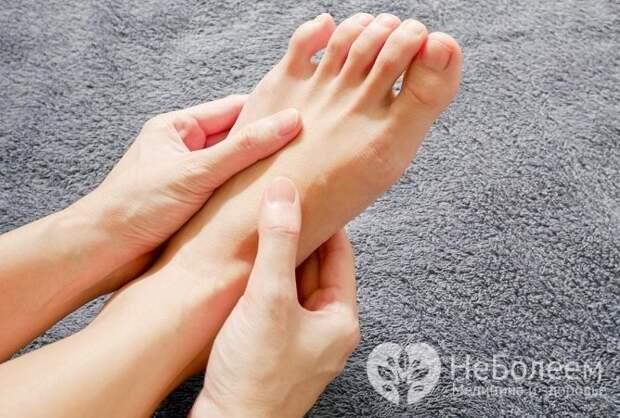 Левая нога, как и правая, может неметь из-за физиологических причин, а также из-за имеющегося заболевания