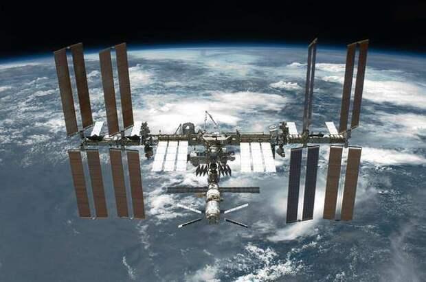 Ведущий научный сотрудник Института космических исследований РАН Натан Эйсмонт оценил России выйти из проекта МКС
