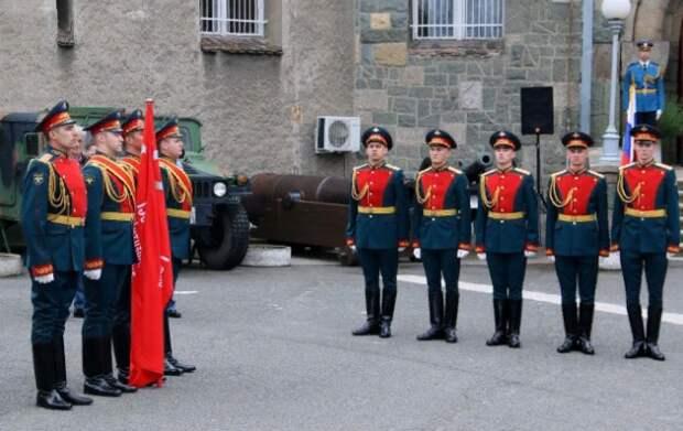 Военному музею Сербии передали копию Знамени Победы