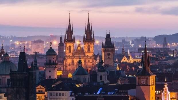 Работать в посольстве Чехии в России останутся пять дипломатов