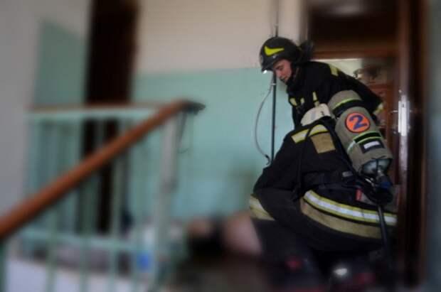 Севастополец чуть не сгорел в своей квартире (фото)