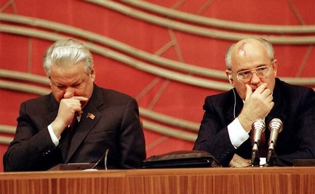 На фото: в президиуме съезда Б.Н.Ельцин и М.С.Горбачев