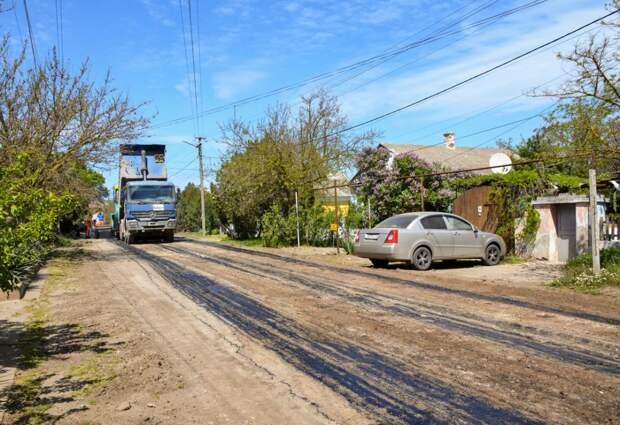 Алексей Михайловский проинспектировал качество ремонта дорог в п. Черноморское
