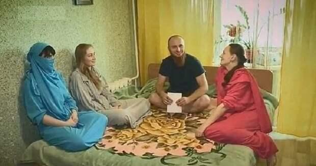 """Как живется Ивану и его женам в православном гареме: у """"султана"""" 4 жены и 13 детей"""