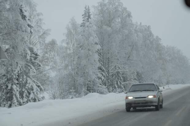 Ближайшие сутки на дорогах Удмуртии сохранится гололёд