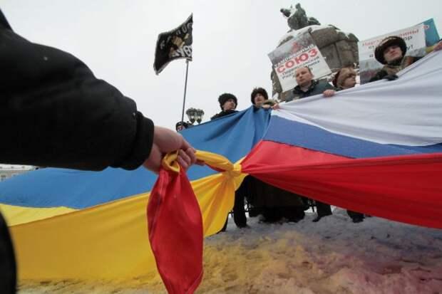 «Выплатить репарации и извиниться». Чего посол Украины хочет от России?